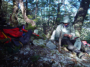 Dsc03095_cold_lunch_going_to_ranger_biv_